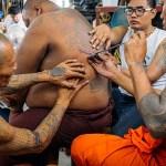 Tahukah anda ada kepercayaan di Thailand untuk menjadikan tatu tak reput