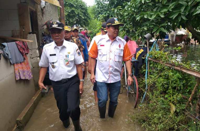 Wakil Walikota Jakarta Selatan Meninjau Lokasi Banjir