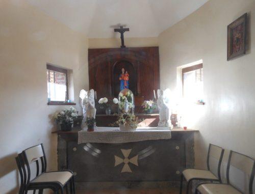 Intérieur de la chapelle N.D d'Heureux Trépas