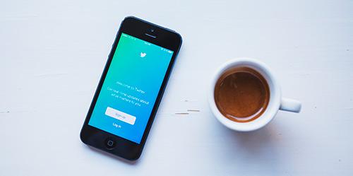 social-selling-phone