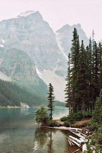 Glacially-fed Lake Moraine, Banff National Park, Canada, photo: Tirso