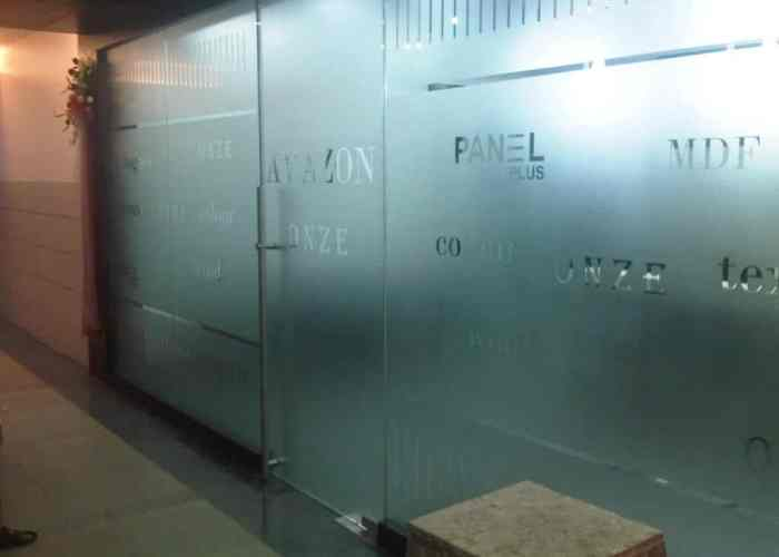 Dusty sandblasted look for glass using etching film