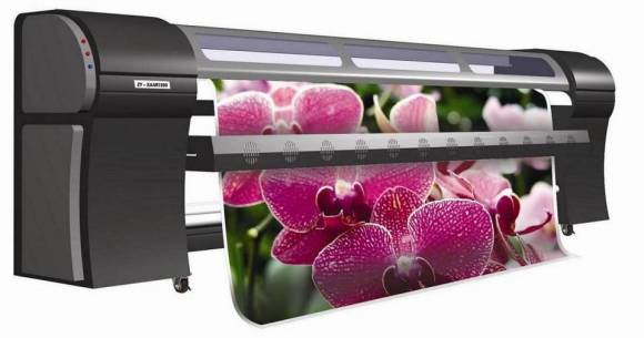 Wide format outdoor solvent printer