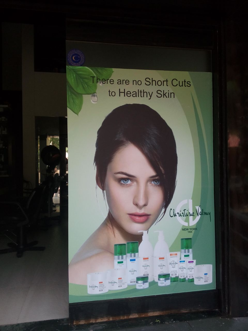 eco solvent vinyl print used to brand the storefront of a popular beauty salon company