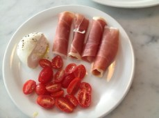 Burrata ($10) with proscuitto and cherry tomatoes