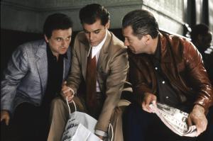 I drug dealer-filmen fældes hovedkarakteren ofte af sit eget overmod – her er Ray Liotta på vej mod afgrunden i Goodfellas.