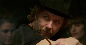 Med sit kendskab til menneskets indre dæmoner var Mikael Persbrandt et oplagt valg til rollen som Thomas Jakob.