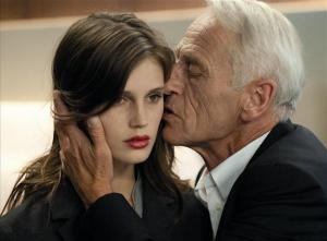 Isabelle – eller Lea, der er hendes call-girl-pseudonym – udvikler et interessant forhold til hendes ældre kunde, Georges.