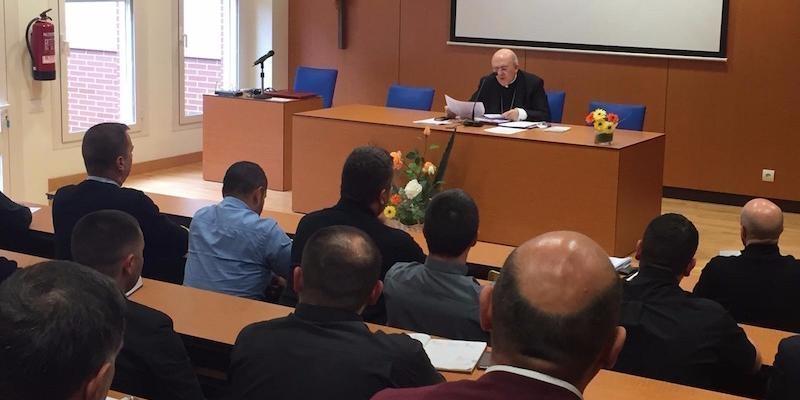 El cardenal Osoro mantiene un encuentro con los vicarios generales de las diócesis donde hay fieles católicos orientales