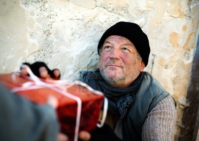 christmas-gift-for-homeless-man