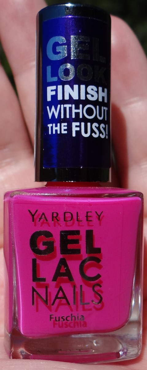 Yardley Gel-Lac polish in Fuschia