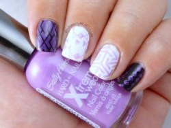 Sally Hansen - Violet Voltage