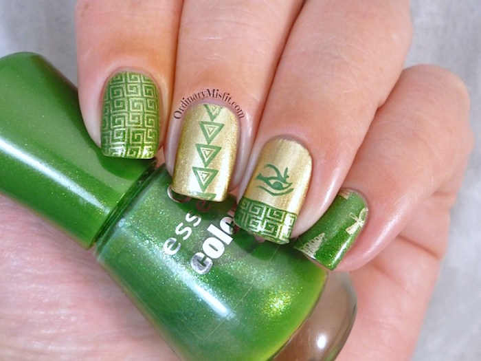 Aztec twinsie nail art