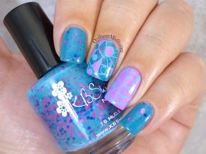 Twinsie nails glitter and stamping nail art 2