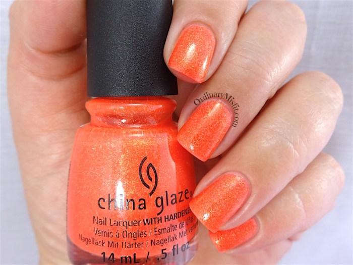 China Glaze - Papa don't peach
