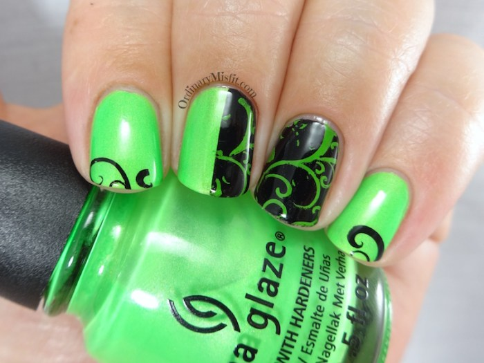 31DC2016 Day 4 - Green nails