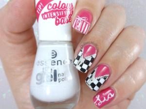 It's a girl nail art