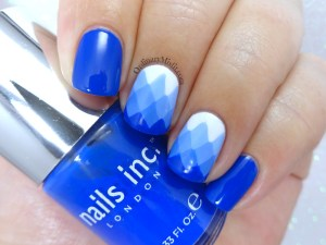 Blue gradient-ish nail art