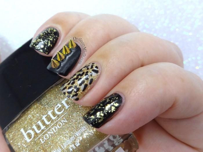 52 Week nail challenge - Gold nails