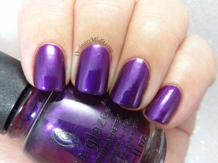 China Glaze - Purple fiction