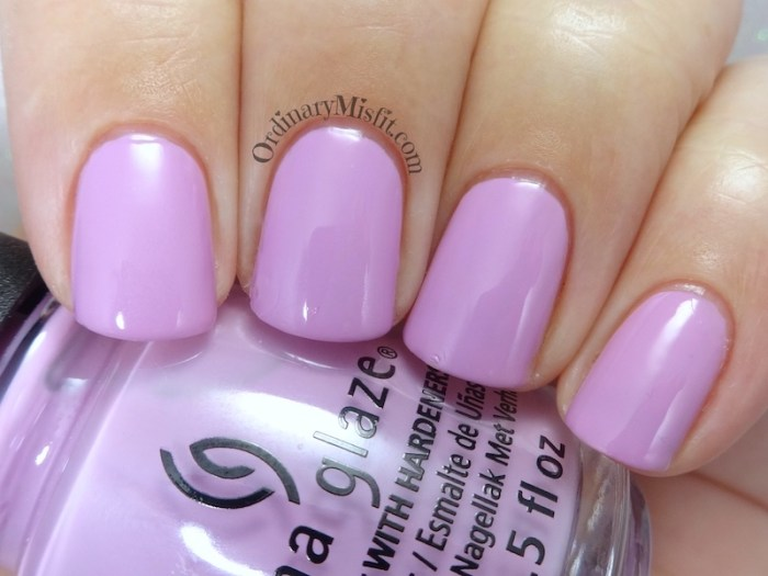 China Glaze - Barre hopping