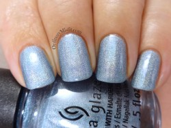 China Glaze - Ma-holo at me