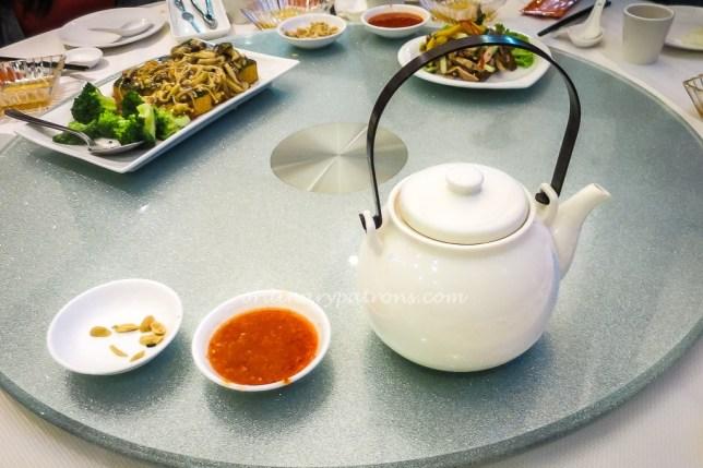 Jumbo Seafood Duck & Mango Salad