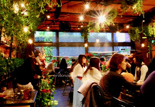 eating-in-tokyo-aoyama-flower-market-cafe-1