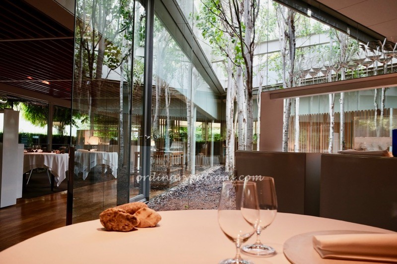 The best part of fancy restaurants like El Celler de Can Roca is the whimsical amuse bouche that they serve at the start of the meal. & Lunch at El Celler de Can Roca and tour of kitchen and wine cellar ...