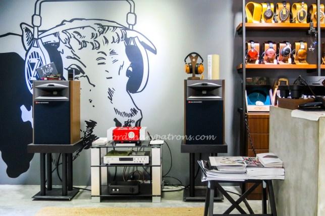 Zeppelin & Co Cafe in Sim Lim