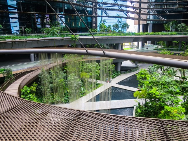 Restaurants and places to eat at Marina One Singapore
