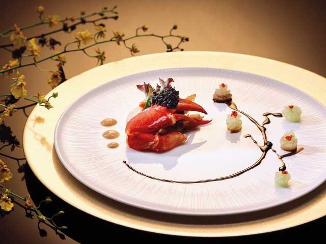 Wan Hao - Sauteed Boston Lobster with Japanese Mustard Light Soya Sauce.