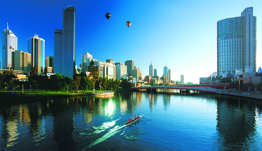Melb-Skyline-&-Yarra-River-with-Balloons20178_865