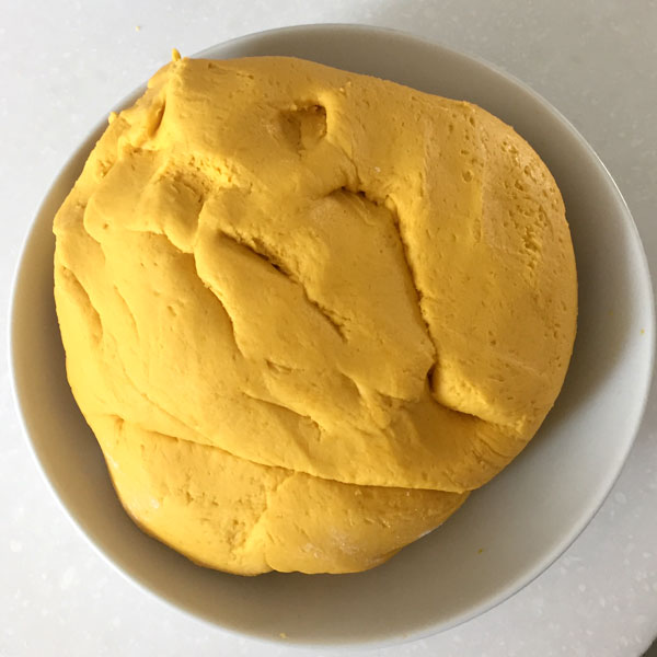 pumpkin glutinous rice cakes, This is what the dough should look like.