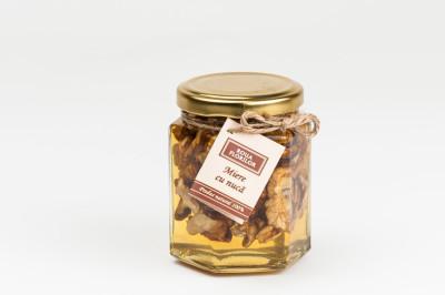 miere de salcam cu nuca