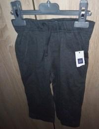 pantaloni gap