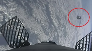 Photo of SpaceX rocket nearly collides with UFO (VIDEO)