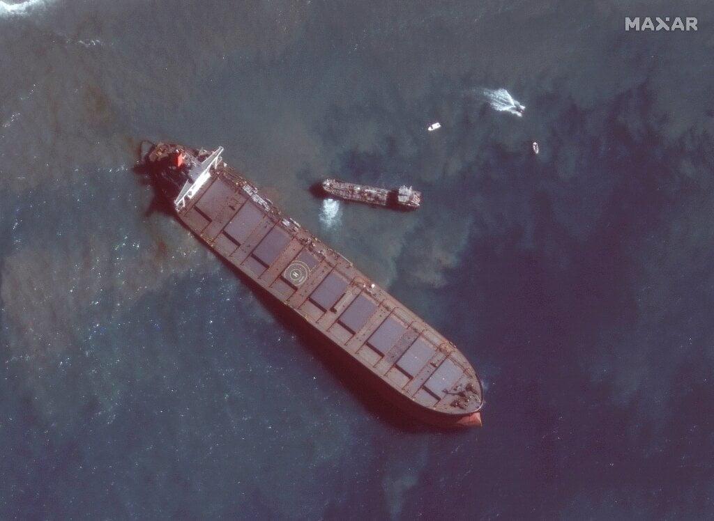 Mauritius avoids re oil spill