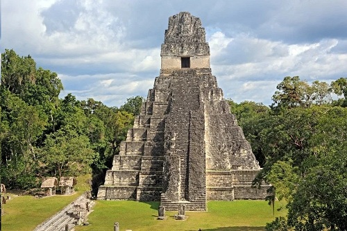The Maya believed that people live in 4 worlds What happened in the first three worlds