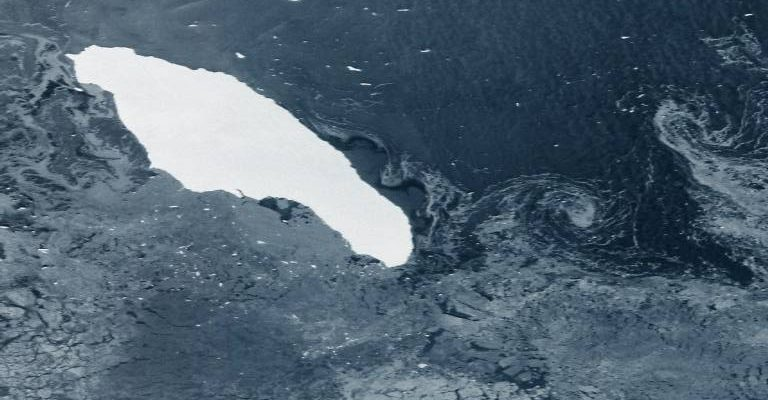 The largest iceberg in the world on the way to collide with the penguin sanctuary