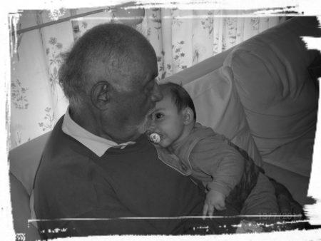 Min søn og min far - to mænd, som min farfar med stolthed kigger ned på fra tid til anden. Det er min tro og det er mit håb og de, er min kærlighed