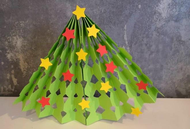 Árbol de Navidad de papel de color