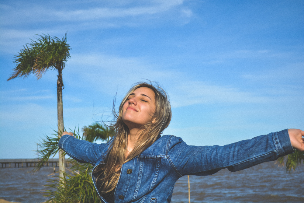 woman soaking up sun, fernando brasil