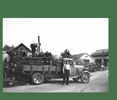 WPA workers collecting scrap metal in Toledo (Image from Oregon Digital).
