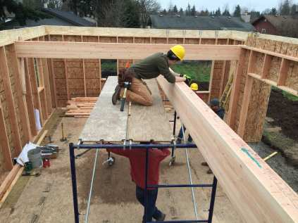 Putting in the glulam beams