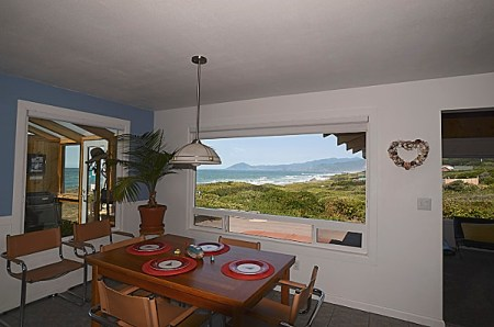 Land's End Dining Room - Oregon Coast Vacation Rentals