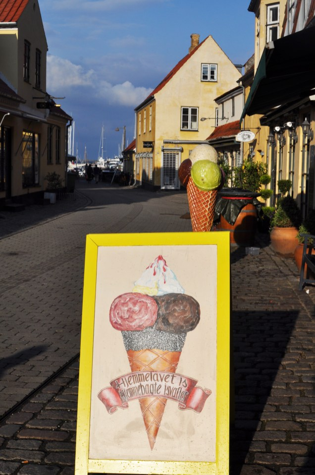 Hjemmelavet Is | Ice cream break in Darling Dragør Denmark | Day Out from Copenhagen | Oregon Girl Around the World