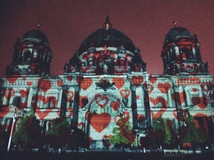Light fest illuminates Berlin Cathedral