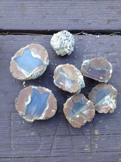 Thundereggs cut open