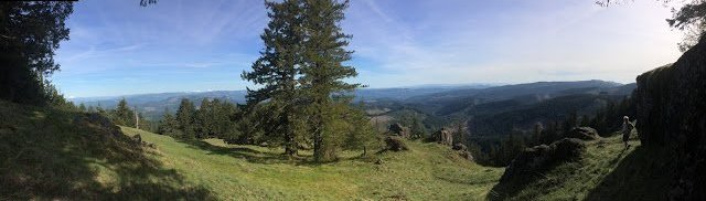 Panorama view from Horse Rock Ridge - hiking near Springfield